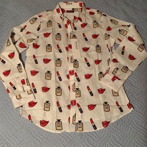 Tops - White button up lipstick boutique blouse